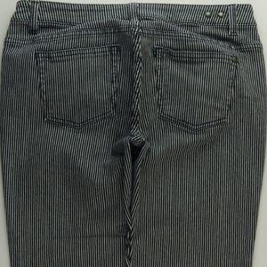 CAbi 324 Crop Capri Jeans Women's 8 Stretch B731